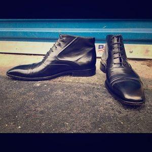 EUC HUGO BOSS Lace Up Cap Toe Ankle Boots